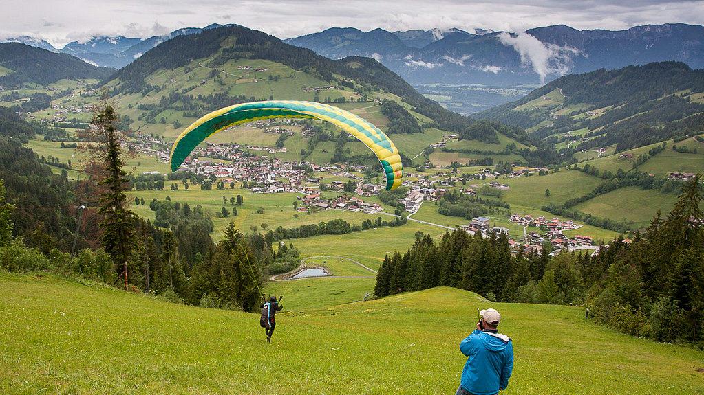 Grundkurs-Gleitschirmfliegen-Bayern